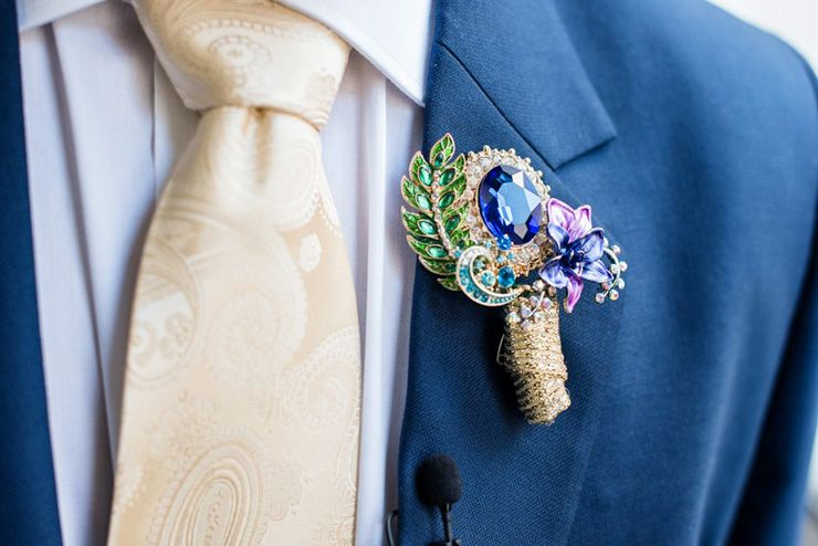 Brooch boutonniere | itakeyou.co.uk