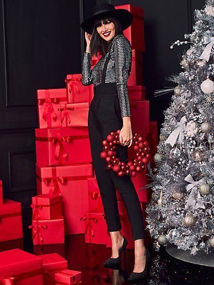 17 christmas photoshoot woman ideas