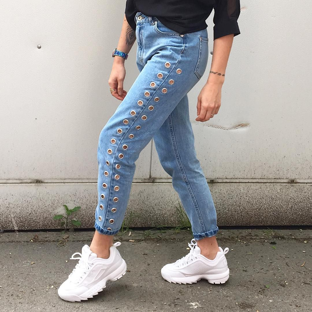 b410db012c6 Sneakers outfit - Blue jeans and Fila Sneakers (©curly_paups ...