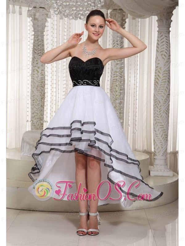 8e59ea73a0d ... 2017 Fall Modest graduation dresses for college. Black and White  Organza High-low Sweetheart Homecoming Dess Belt Deading Decorate-  134.06  http