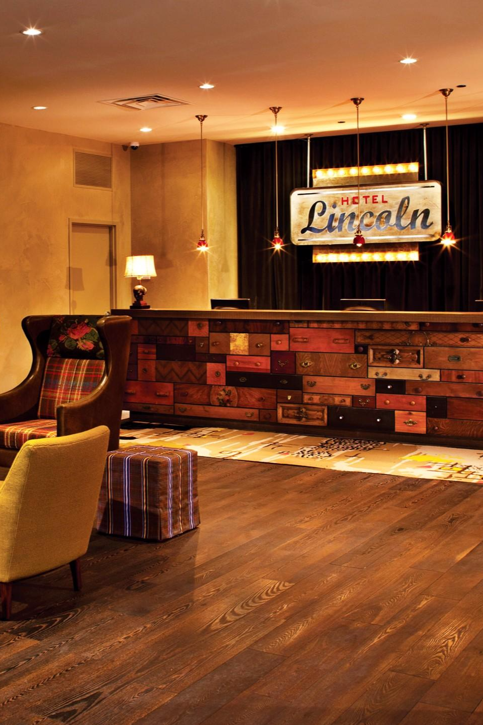 Hotel Lincoln Is Located In Chicago S Trendy Near North Side Neighborhood