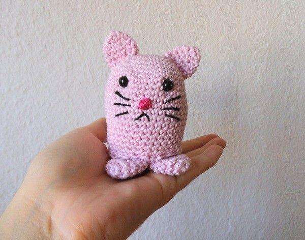Diese süße Kawaii Katze ist ca. 8cm groß (bei Verwendung des ...