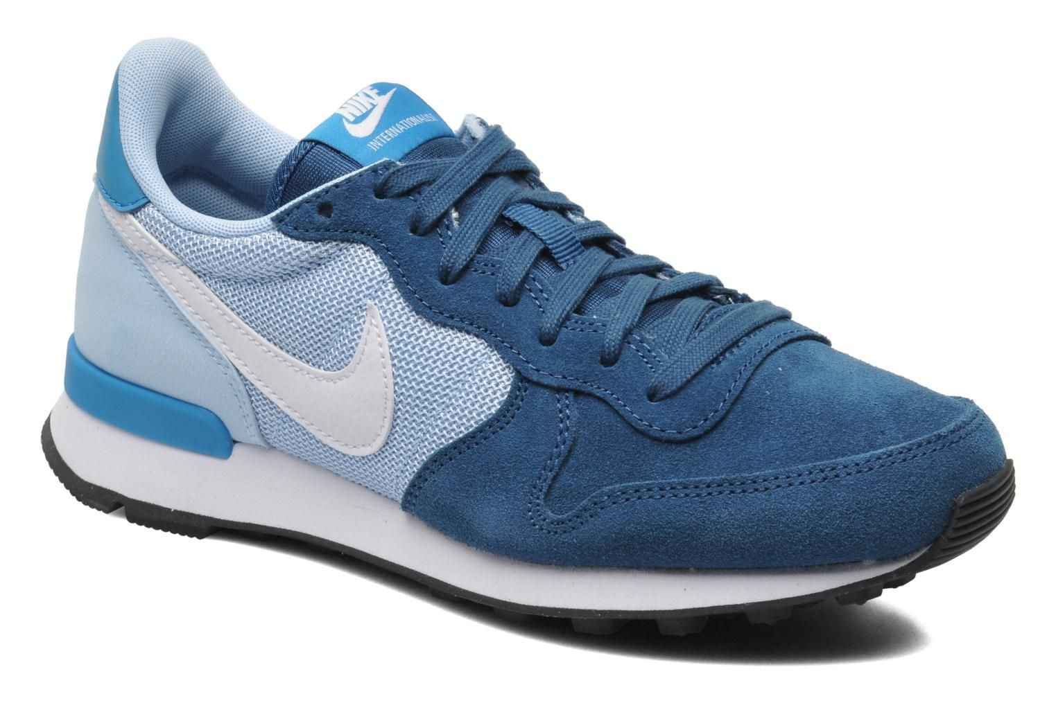 Nike Wmns Nike Internationalist (Noir) Baskets chez
