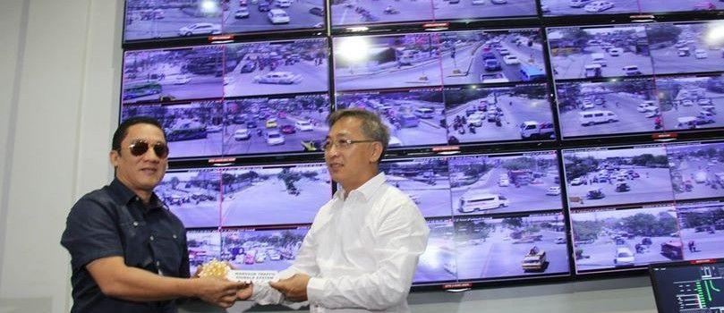 Mandaue City Cebu Triune Electronic Systems Inc Turned Over Today The First Of Its Kind Fiber Optic Operated P39 9 Million T Cebu City Cebu Traffic Signal