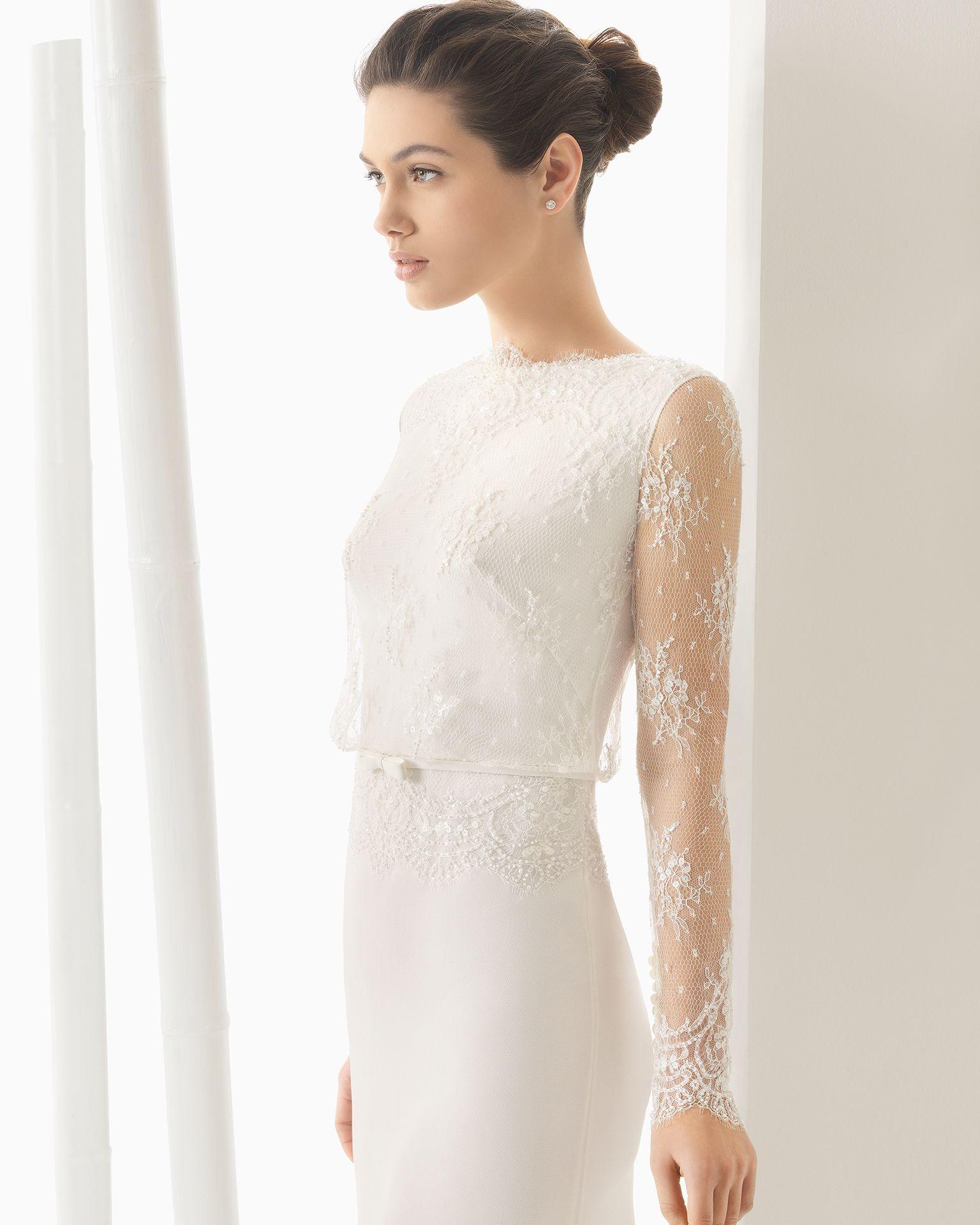 Hochzeitskleid aus Georgette und Strass besetzter Chantilly-Spitze ...