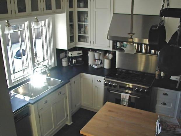 Merveilleux Fireslate Countertops, Windows Above Sink, Cabinets Above Windows | Kitchen  | Pinterest | Countertops, Sinks And Bungalow