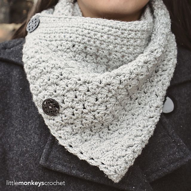 Ravelry: Sparkly Buttoned Cowl pattern by Rebecca Langford ...