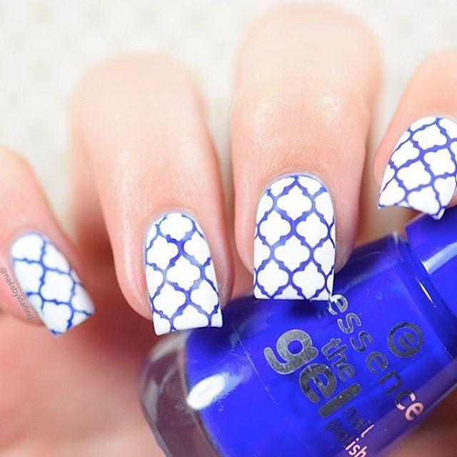 Blue and white maroccoan nail art design
