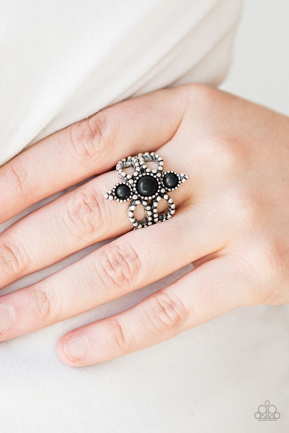 Paparazzi Ring Outback Oasis Black Dainty Black Stones Stack Down The Center Of A Frilly Silver Band Ra Amazing Jewelry Affordable Jewelry Fashion Rings