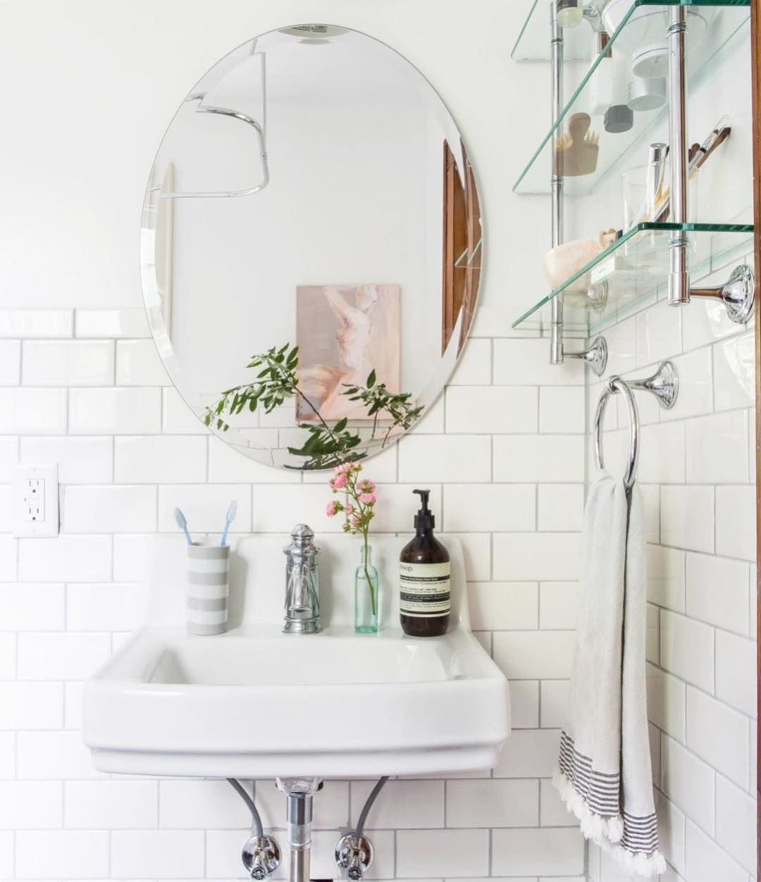8 Bathroom Mirror Ideas You Might Not Have Thought Of | Bathroom ...
