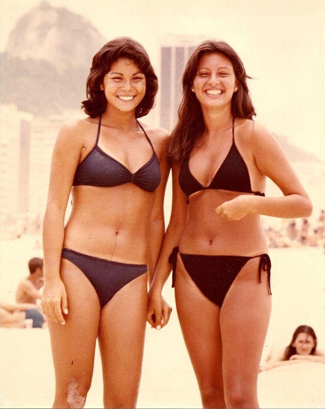 d62158c9c Everyday Life in Rio de Janeiro in the 1970s (25) | luzia en 2019 | Biquini,  História da moda y Anos 70