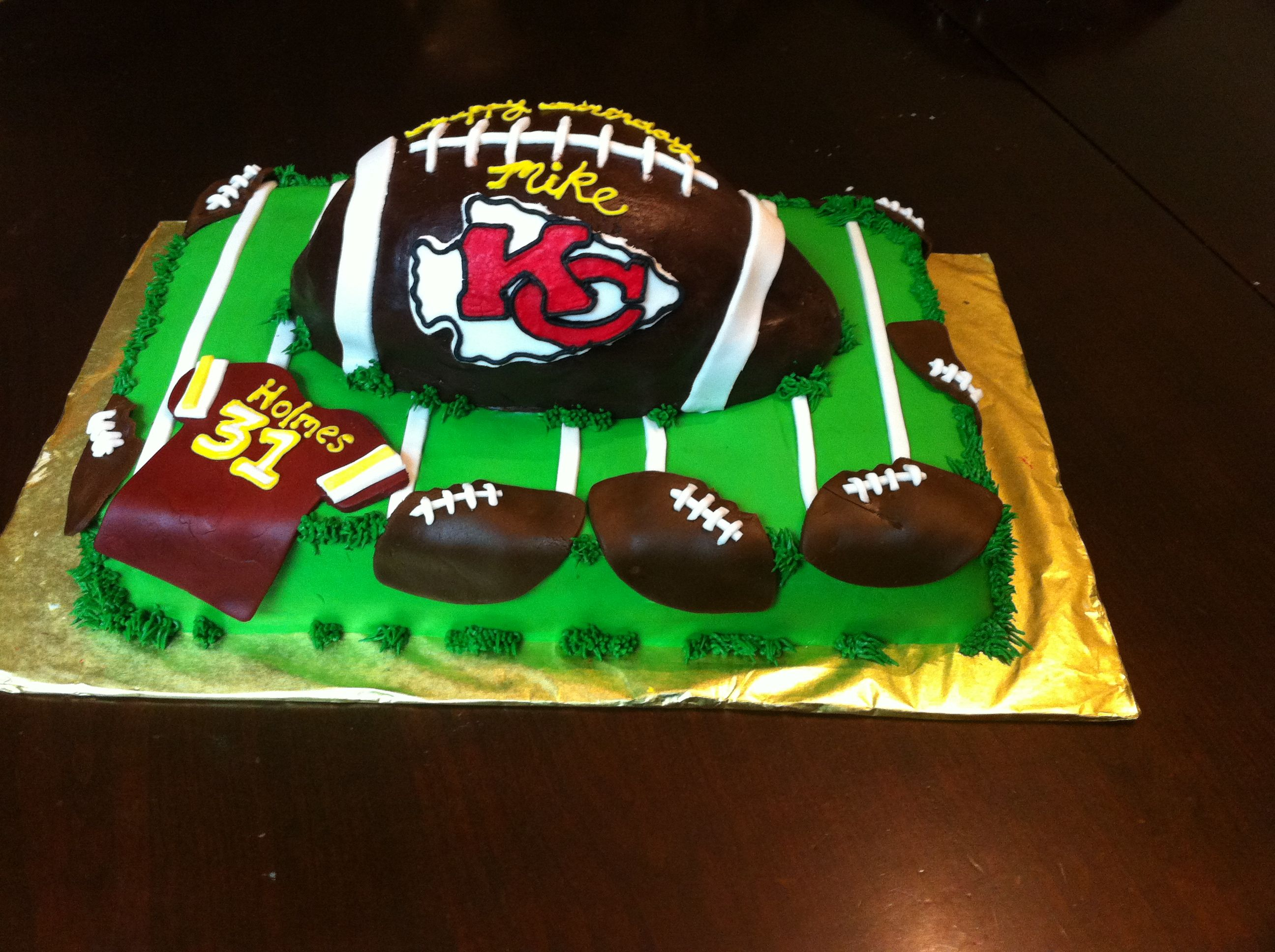 football wedding cake ideas pin kansas city chiefs fondant football cake renewing our 14398