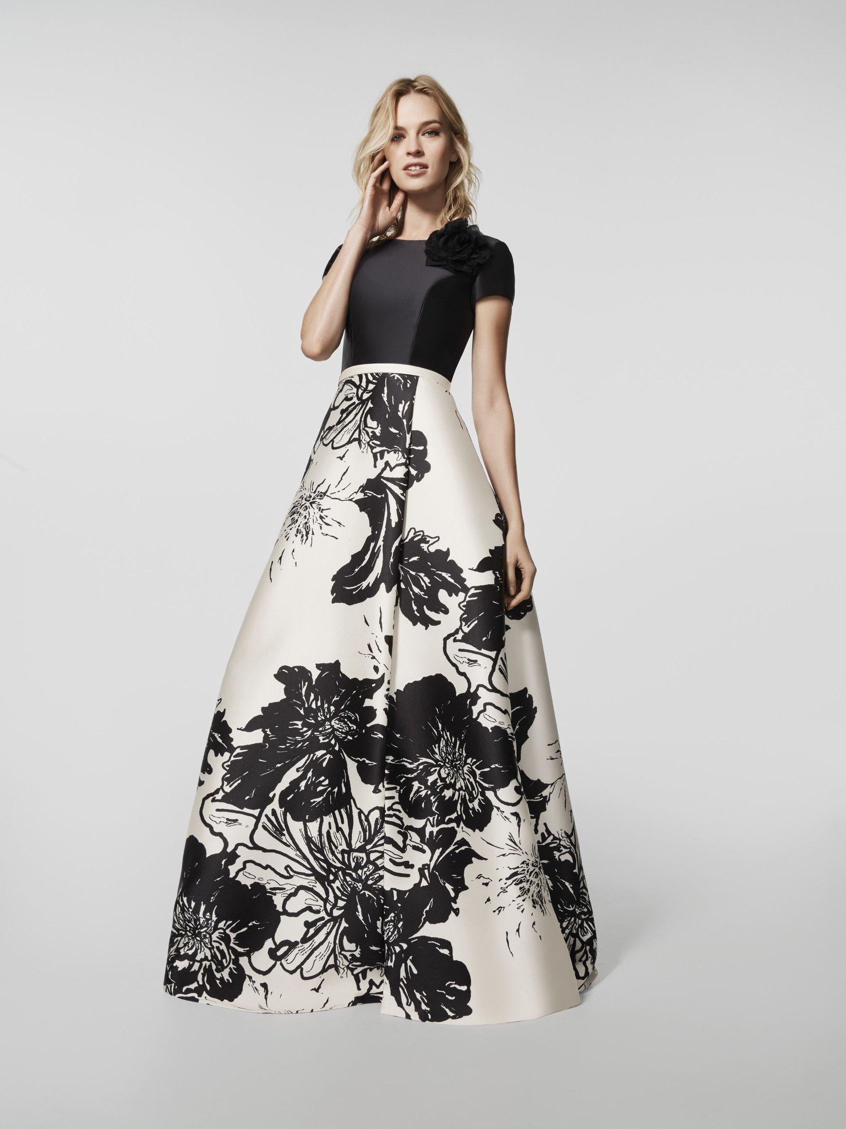 Auf der Suche nach einem Abendkleid? Langes Kleid mit buntem Muster ...