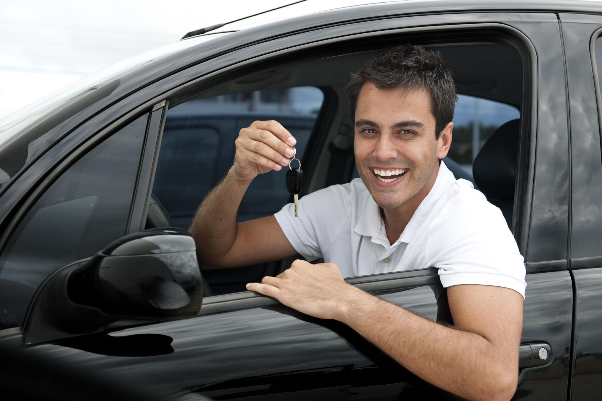 фото одного мужчины на машине гниль является грибковым