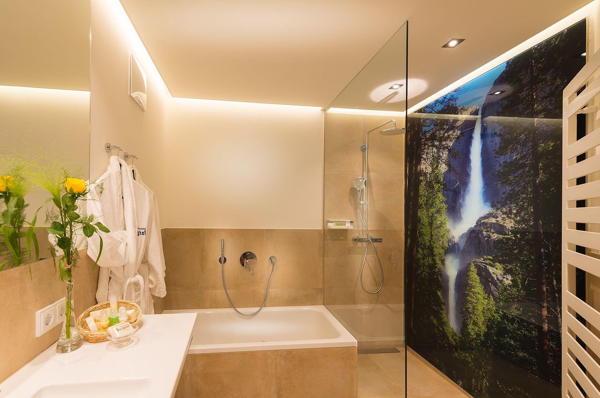 Badezimmer Hotel ~ Neue erker familiensuiten badezimmer verwöhnhotel berghof 4