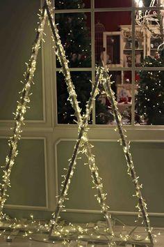 7 Sapins De Noel Sans Epines Decoration Vitrine Noel Deco Vitrine Noel Decoration Noel
