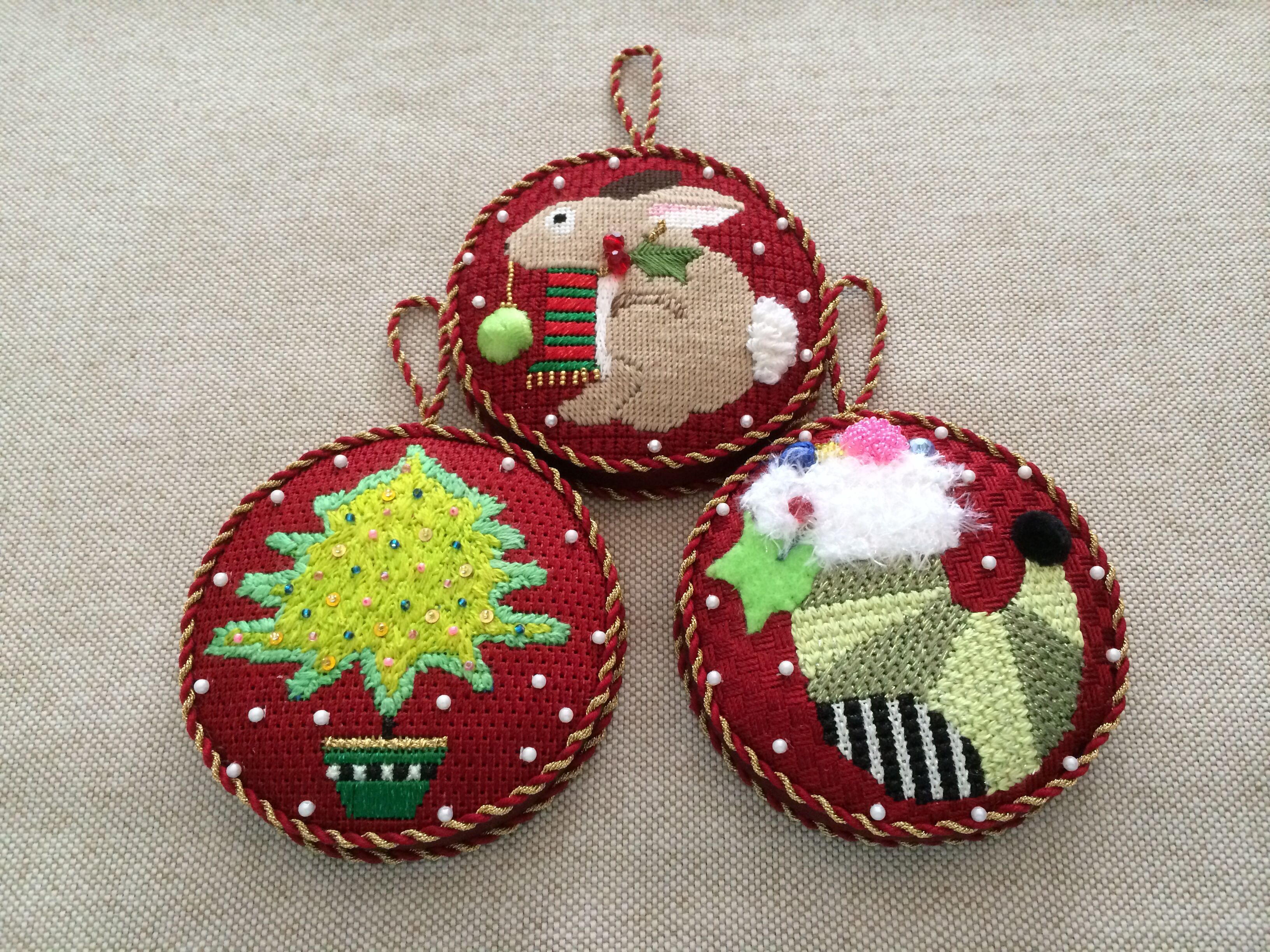 Gusseted Christmas Ornaments ~ needlepoint canvases by Melissa ...