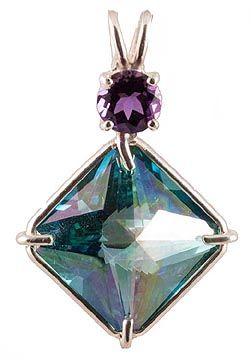 Magician Stone pendant  http://thesacredfeminine.com/sacred-geometry.html