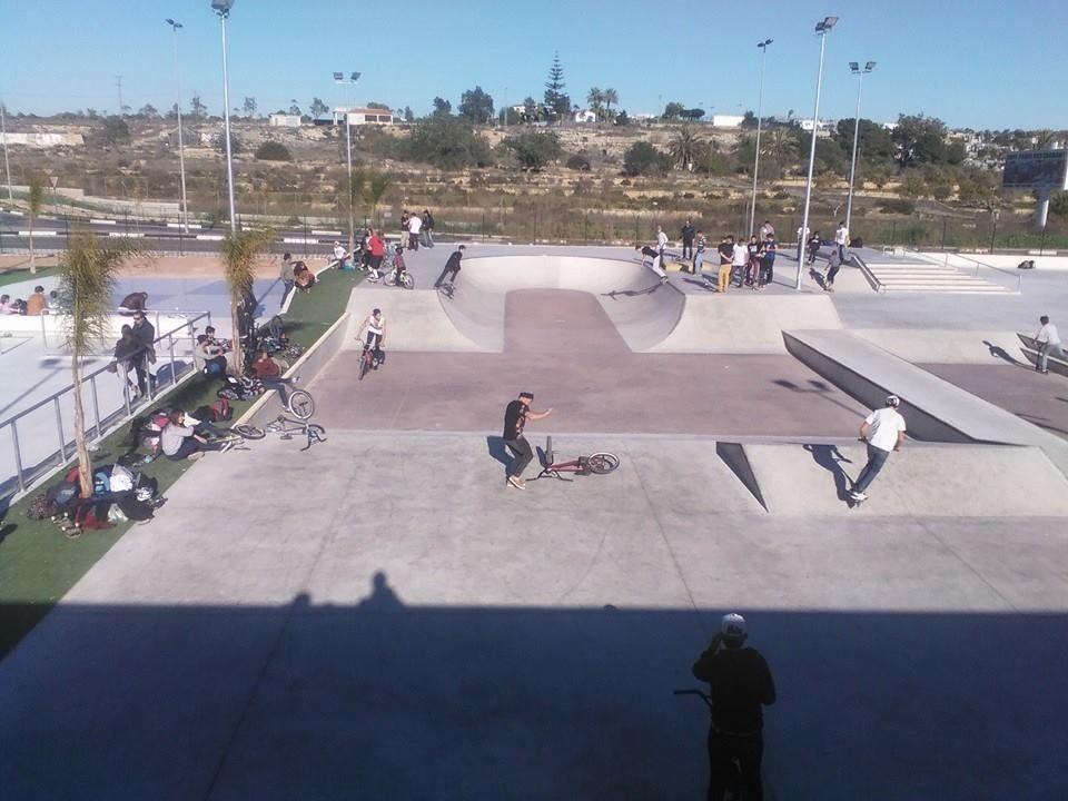 Skatepark Santa Pola Con Imagenes Parque De Patinaje