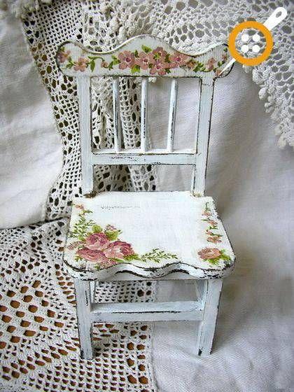 57 Adet Ahşap Sandalye Boyama Örnekleri – Evde Sandalye Boyama