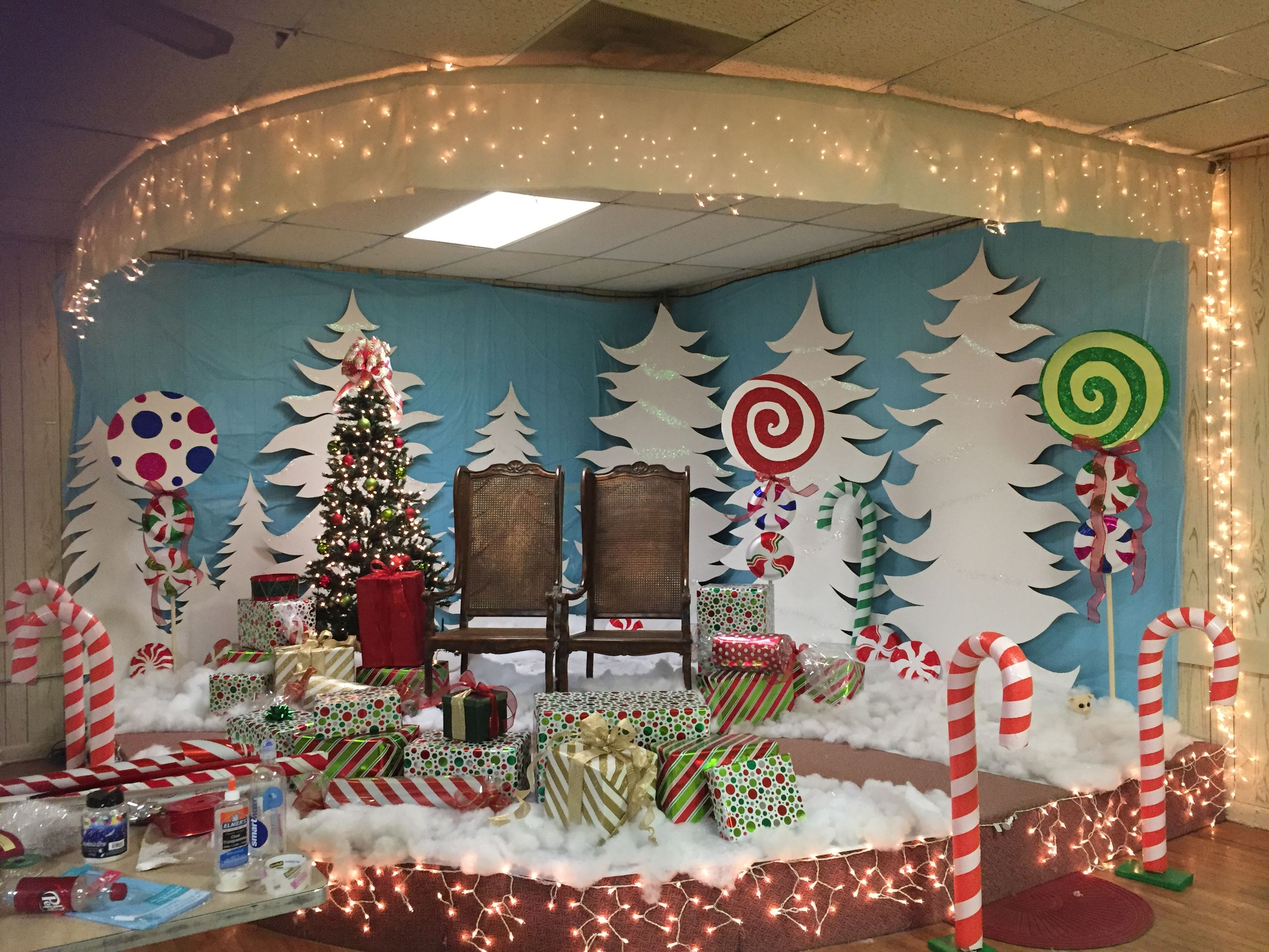 Our Holiday Santa Photo Set For The Local Army Christmas Party So Proud With Images Office Christmas Decorations Christmas Cubicle Decorations Christmas Door Decorations