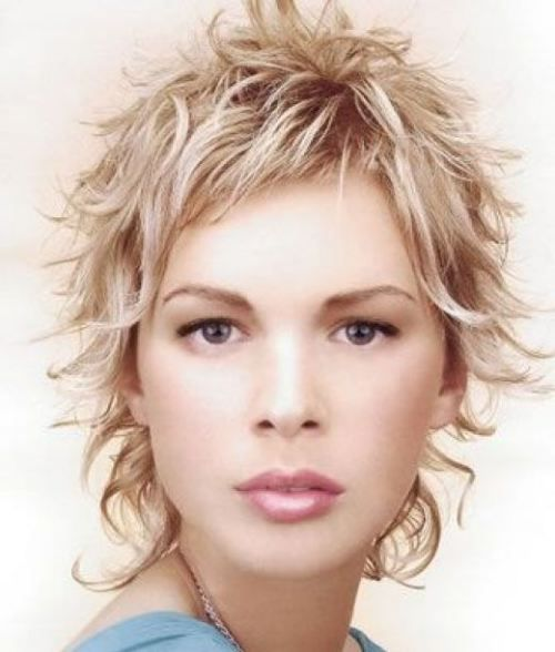 60 Most Delightful Short Wavy Hairstyles Coiffures Courtes Blondes Cheveux Courts Coupe De Cheveux Courte