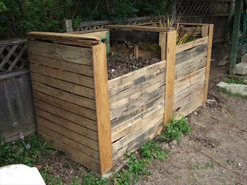 Pallet Compost Bins | Pallet compost bins, Composting and Pallets