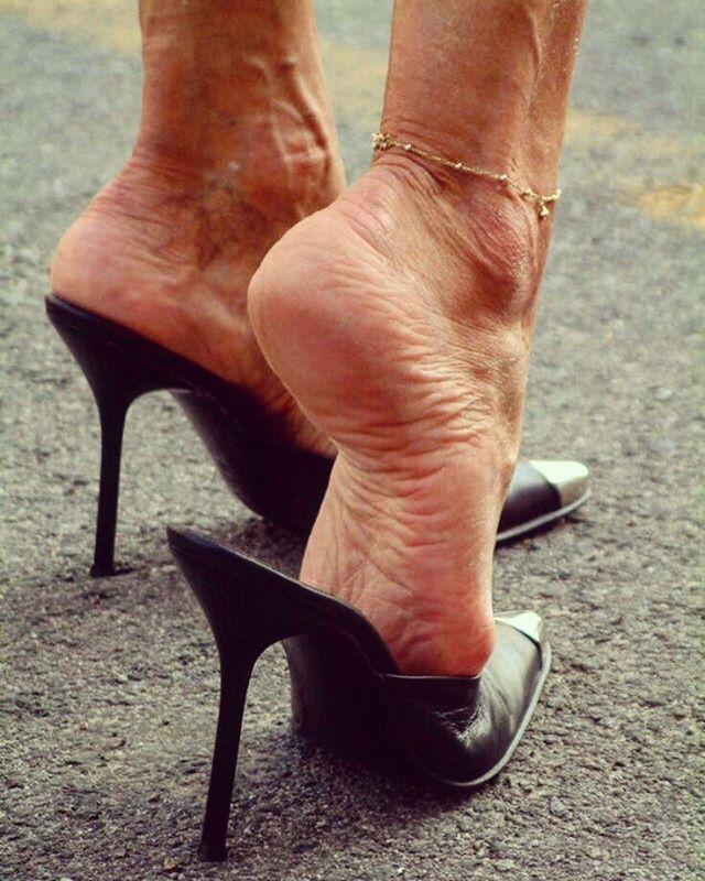 Dangling Feet Mature