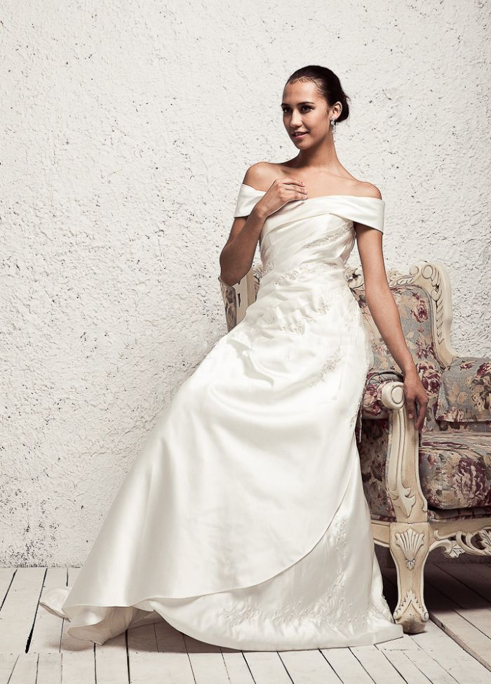 Classic Off Shoulder Satin Wedding Dress With Lace Up Back