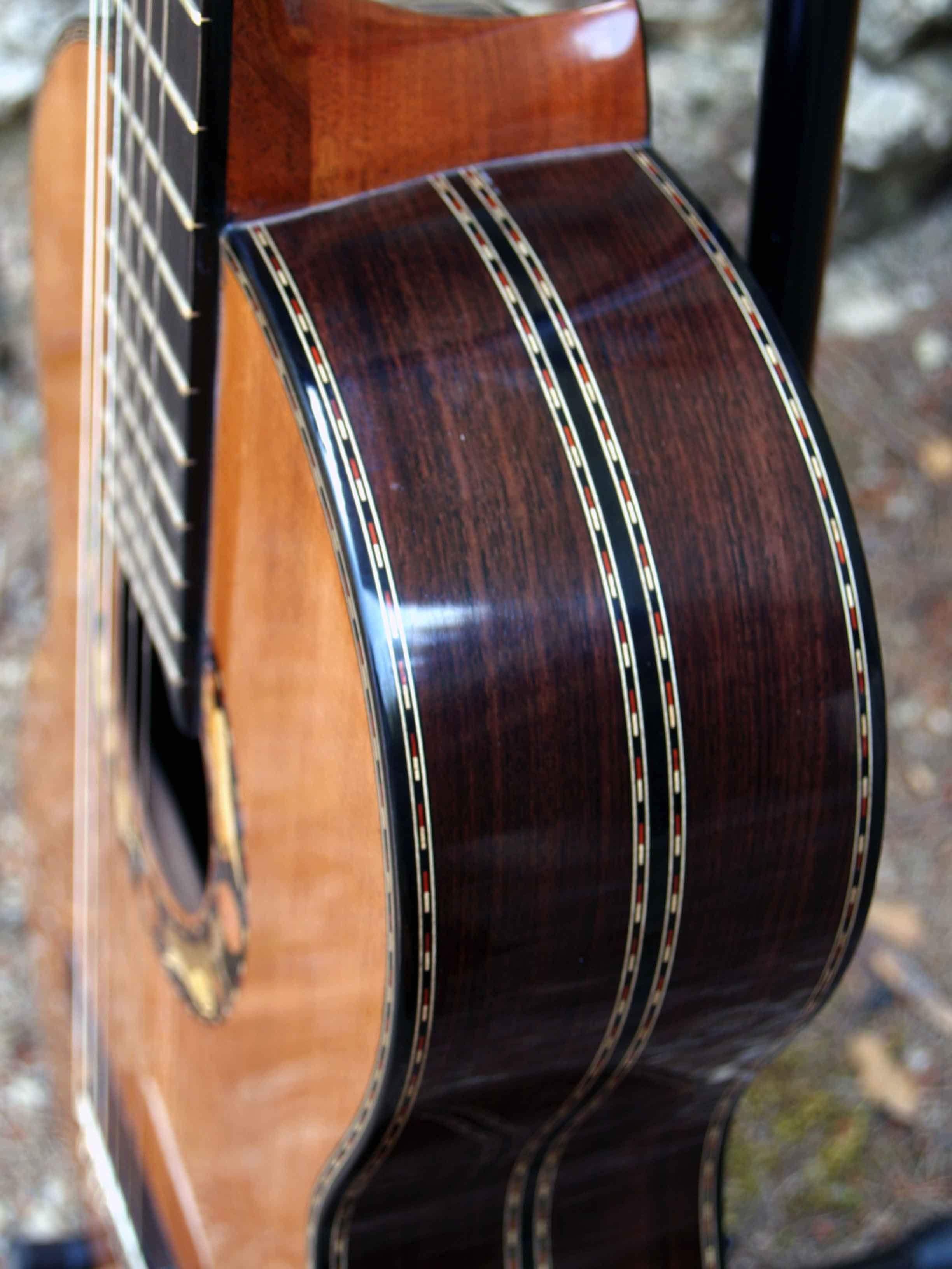 Guitarra palosanto y cedro decoraci n arc ngeles for Guitarras de luthier