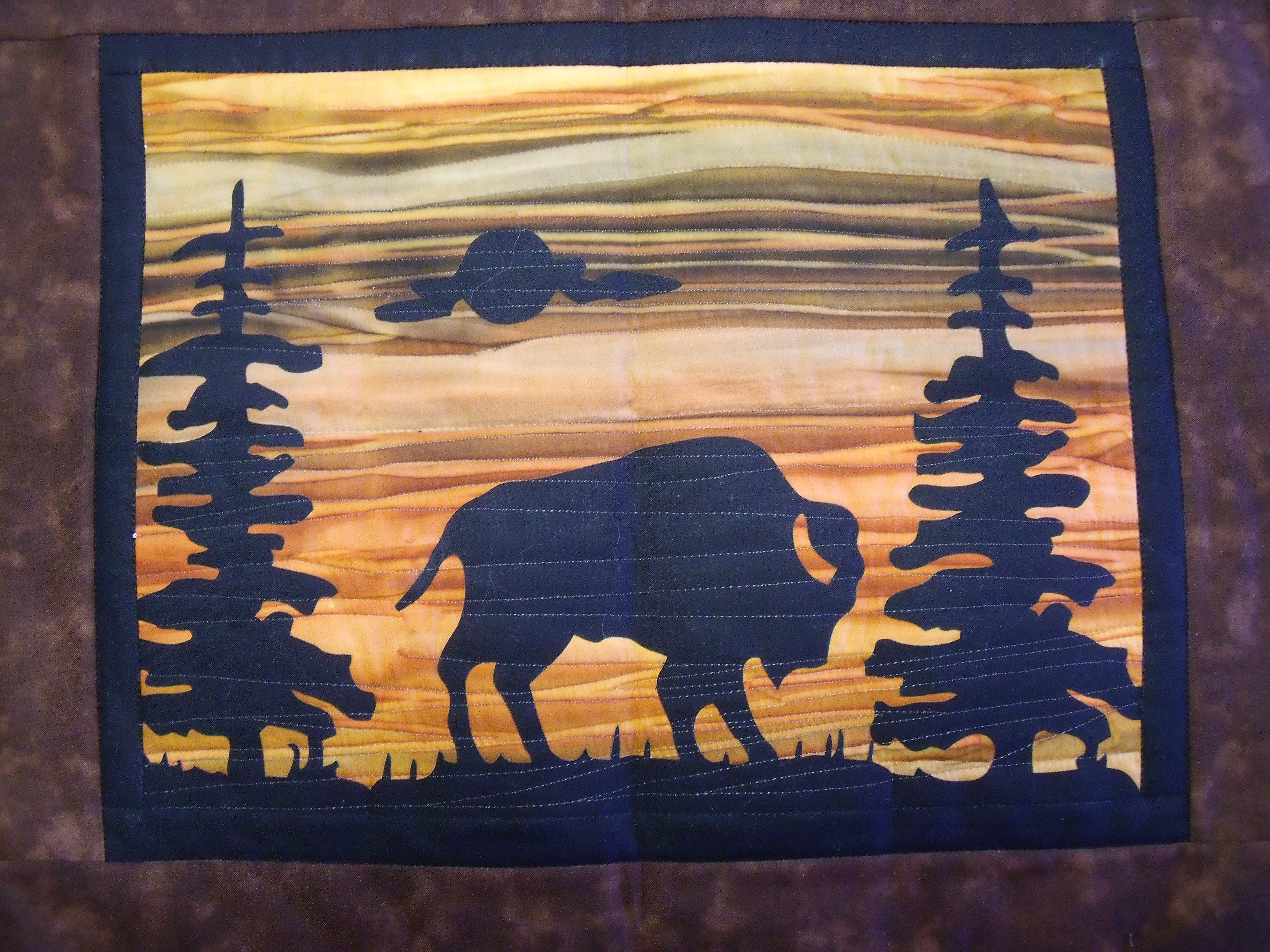 Bison At Sunset Quilt Wallhanging Kit Comes Complete With Precut Background Fabric Precut Inner Outer Bo Animal Quilts Fabric Panel Quilts Applique Quilts