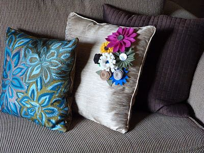 What a great way to dress up my boring pillows!
