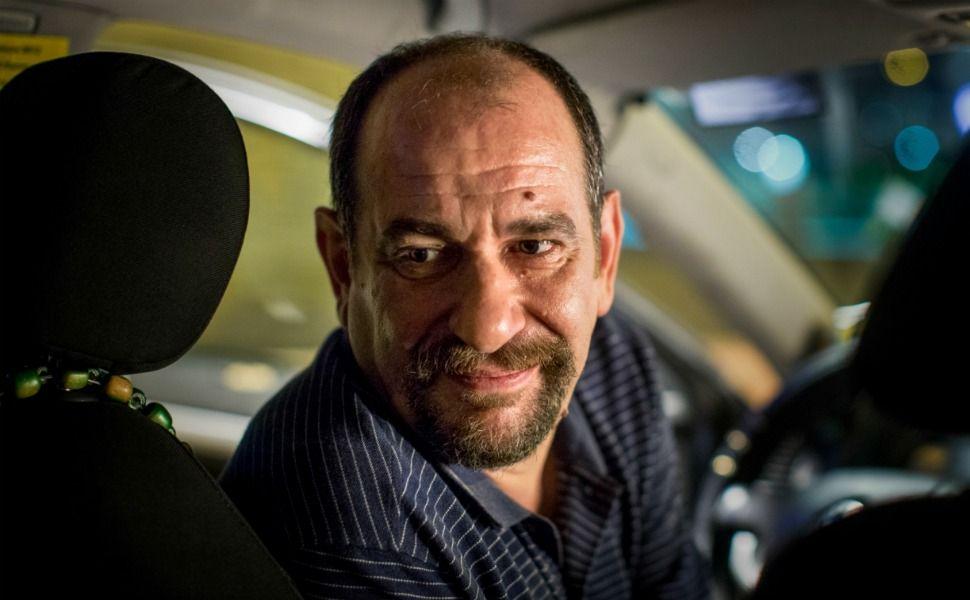 Karra Elejalde es un taxista herido por una traición en Rumbos, en cines el 10 de junio