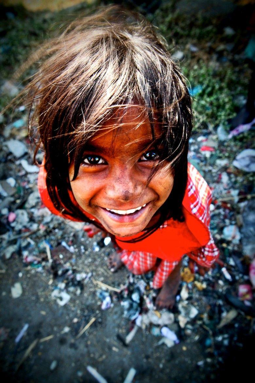 india slum girl Little Girl in Dharavi slum, Mumbai