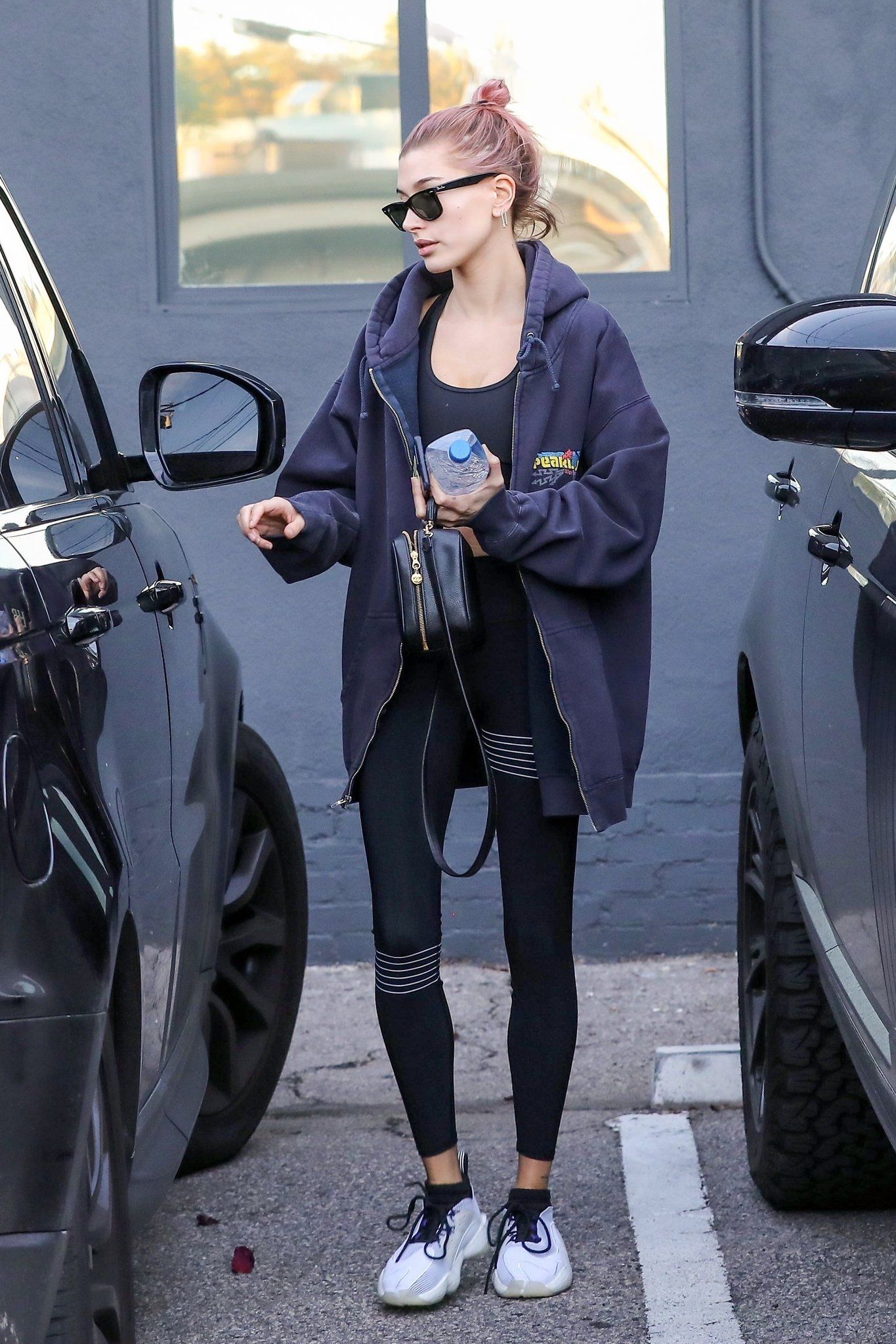 Pin by Shiloh Latham on athleisure | Hailey baldwin street