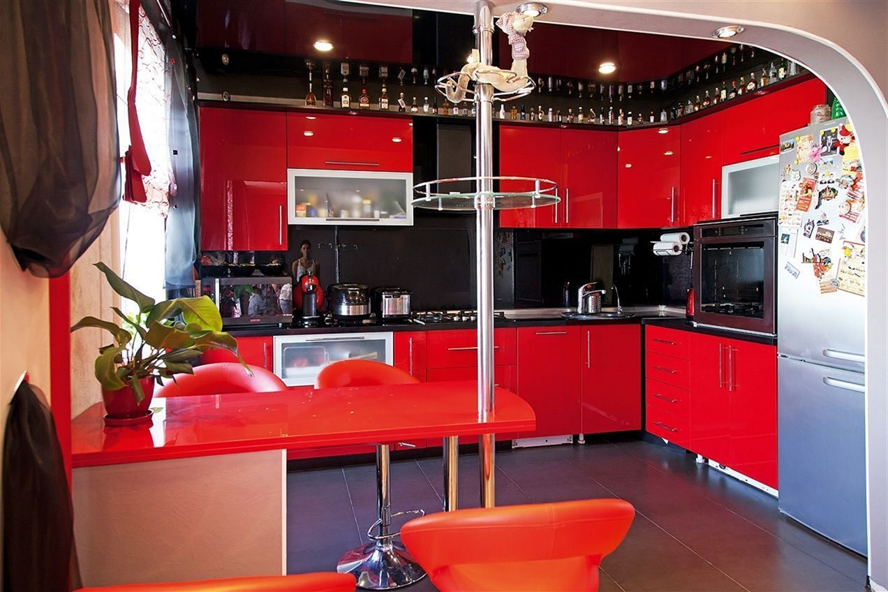 Nice 30 Top Red And Black Kitchen Ideas For Amazing Kitchen You Need To Know Https Decoredo Com 25436 30 Top Black And Red Kitchen Red Kitchen Black Kitchens