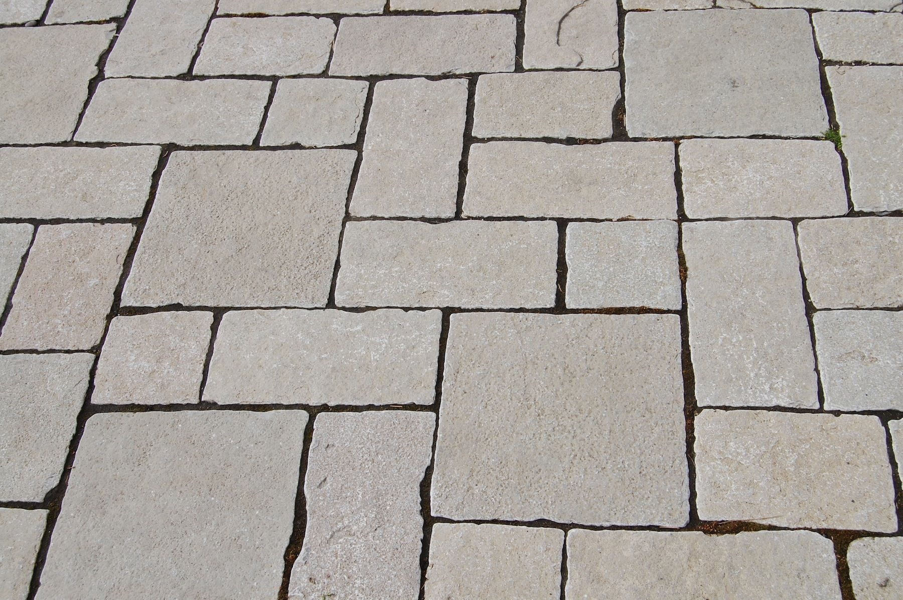 Antique Yellow Limestone From American Soil And Stone With Natural