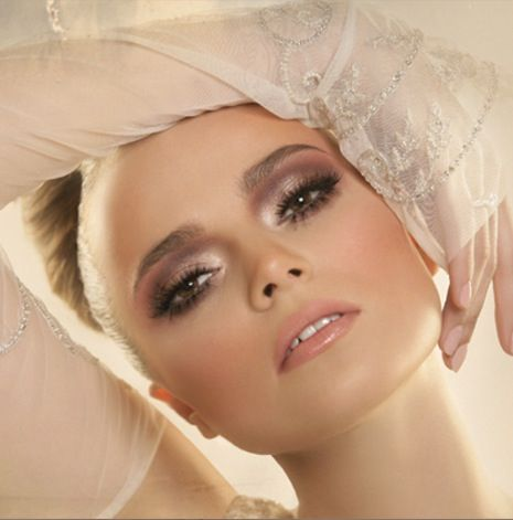 beautiful makeuphala ajam  hazel eye makeup fashion
