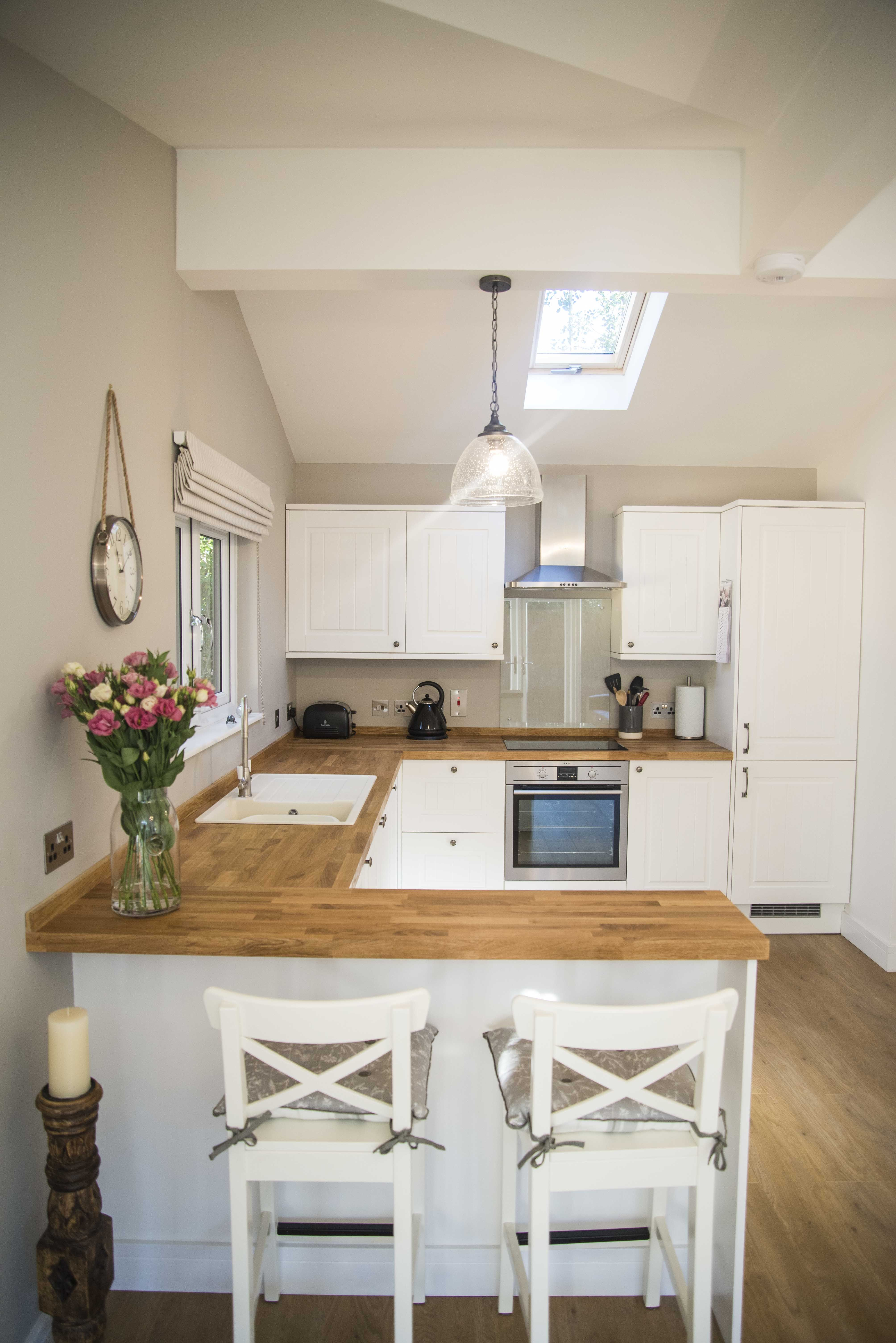 Granny Annexe Kitchen Stunning Features Create A Classic Style Wit Open Plan Kitchen Living Room Small Apartment Kitchen Decor Open Plan Kitchen Dining Living