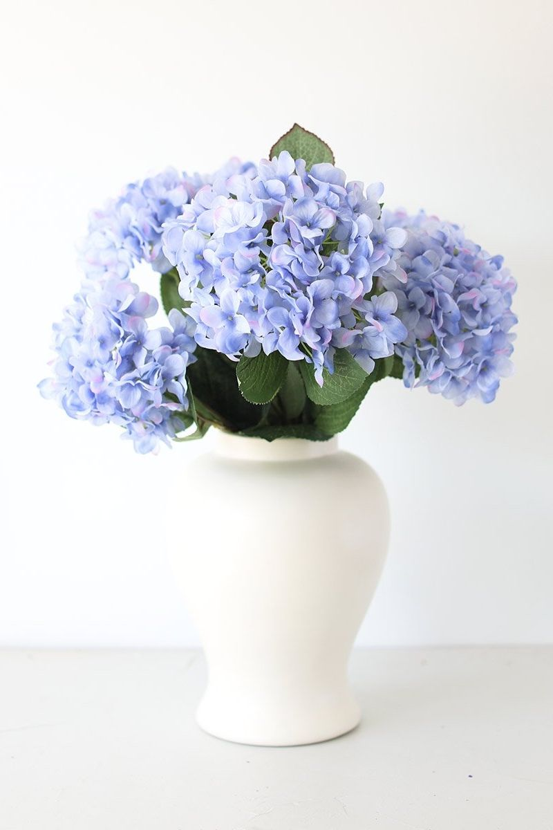 Soft Blue Silk Hydrangea Flower Bush 20 In 2020 Blue Hydrangea Centerpieces Hydrangea Arrangements Hydrangea Flower Arrangements
