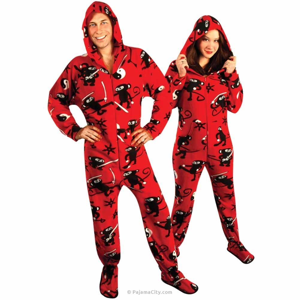 couples matching christmas pajamas - 1001×1001