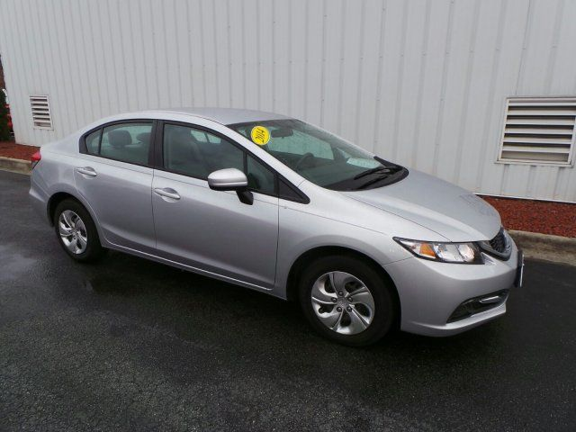 **LOW MILES**1-OWNER**AUTOMATIC TRANSMISSION**CLEAN CARFAX**NO ACCIDENTS**GETS 39 MILES PER GALLON**Call us now! Want to save some money? Get the NEW look for the used price on this one owner vehicle. Previous owner purchased it brand new! This Civic's engine never skips a beat. It's nice being able to slip that key into the ignition and not having to cross your fingers every time. Rippy Automotive - Family Owned and Operated since 1946!