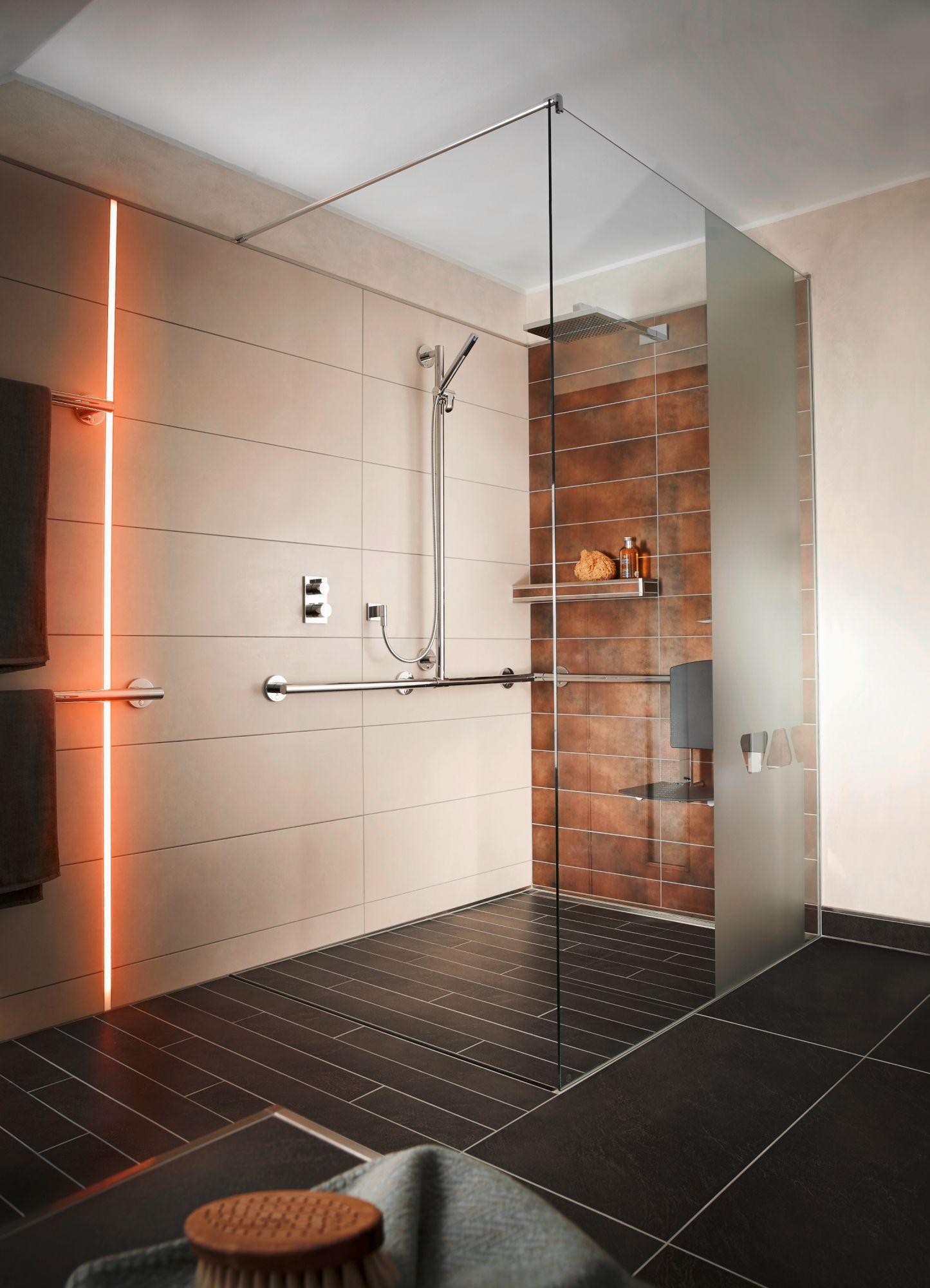 Bei Der Gestaltung Ihrer Bodenebenen Dusche Sind Individuellen Wunschen Und Vorlieben Kaum Grenz Badezimmer Einrichtung Badezimmer Design Traumhafte Badezimmer