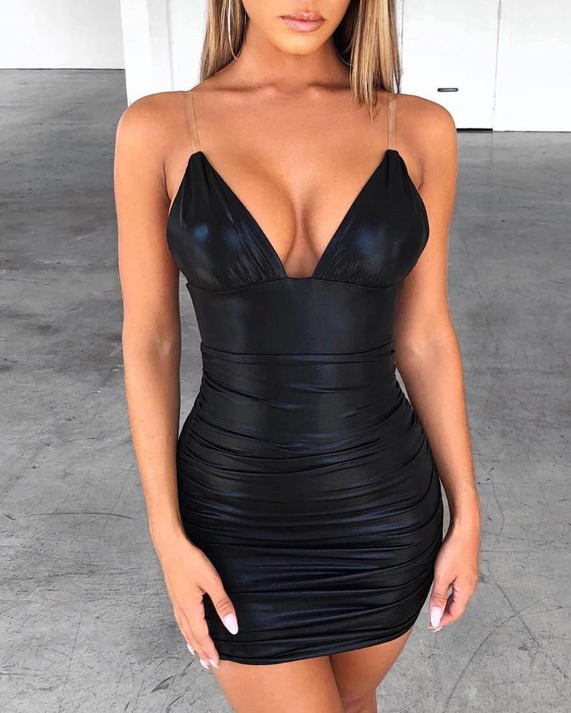 Transparentes, figurbetontes Kleid mit Spaghettibügel in 11