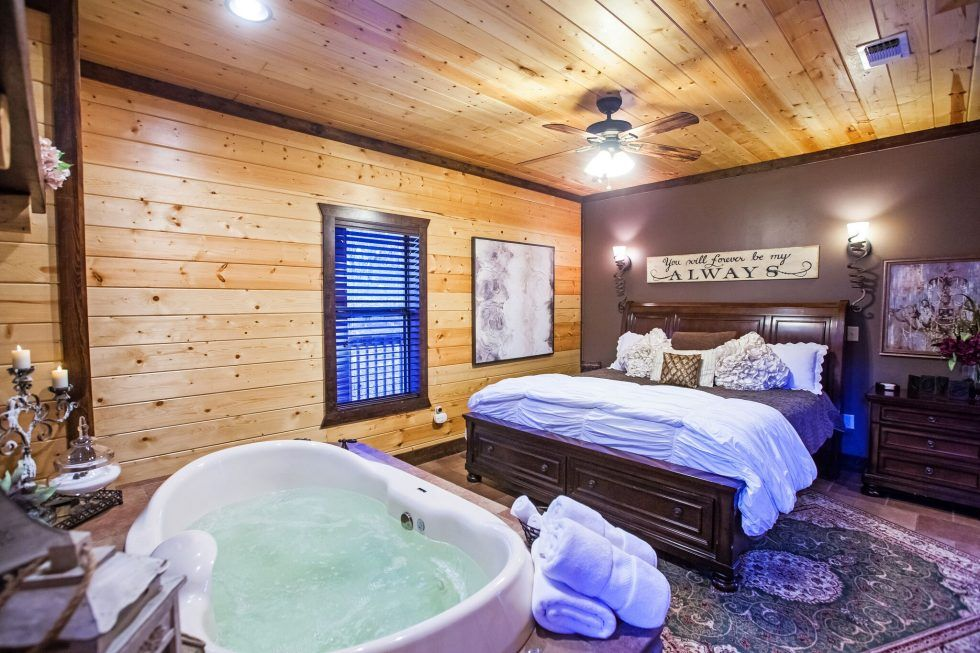 Bear Mountain Lodging Broken Bow Luxury Cabins Luxury Cabin Honeymoon Cabin Luxurious Bedrooms