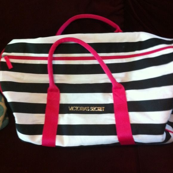Victoria S Secret Overnight Bag Sold Customer Support And Delivery