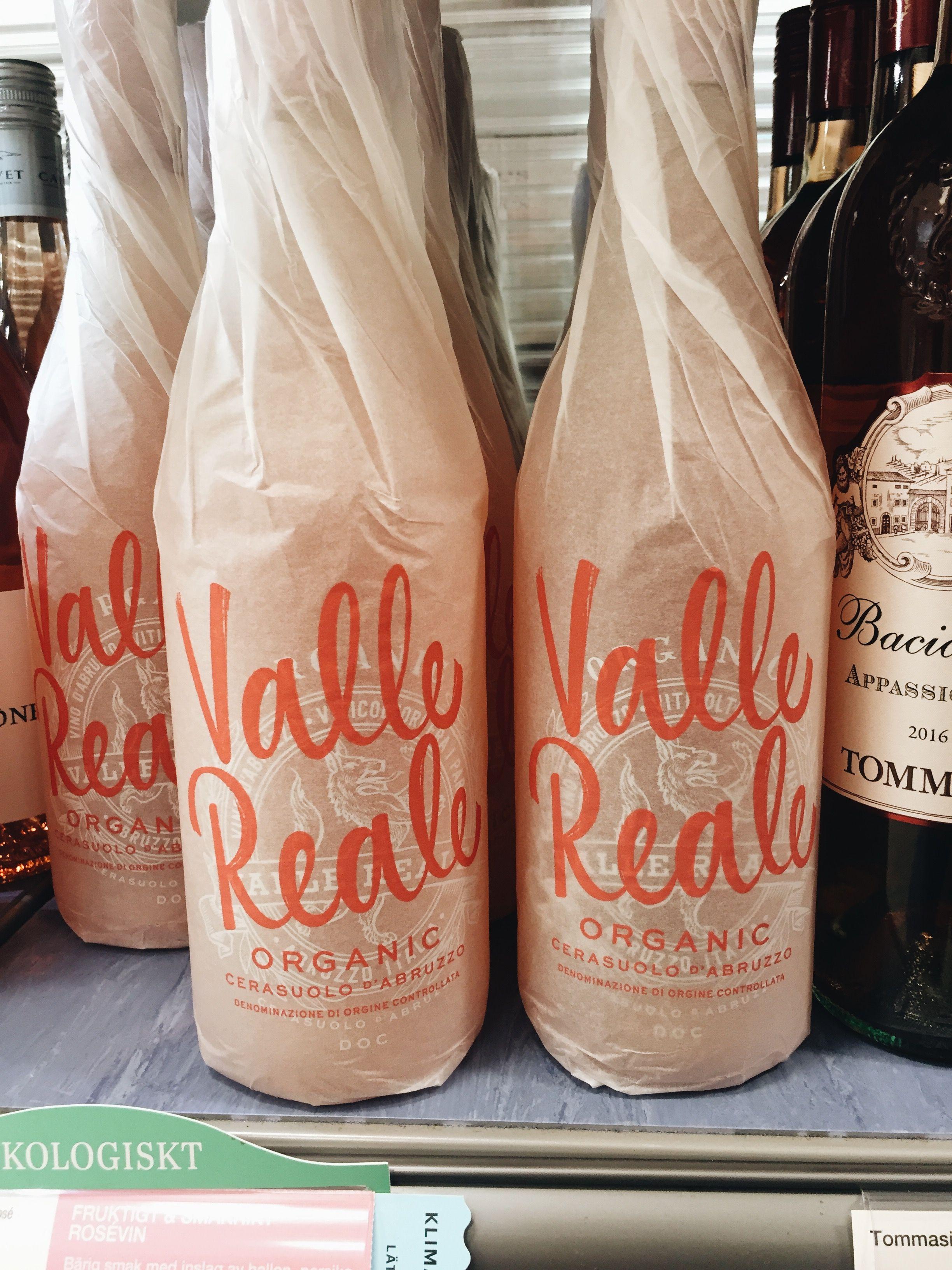 pretty rosé wine packaging