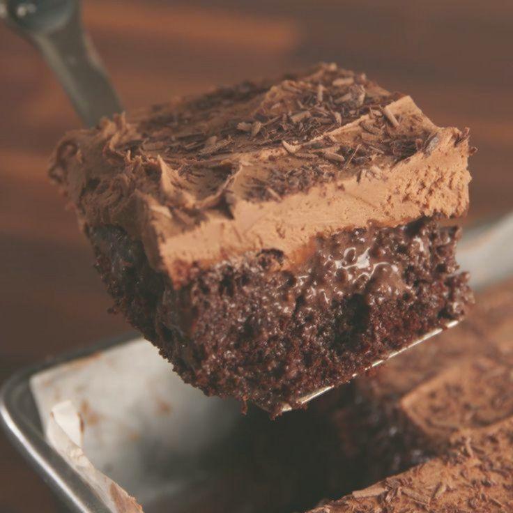 Baileys Poke Cake -
