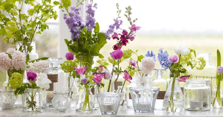 flower arrangement tischdeko pinterest kleine vasen vasen und hochzeitsdeko. Black Bedroom Furniture Sets. Home Design Ideas