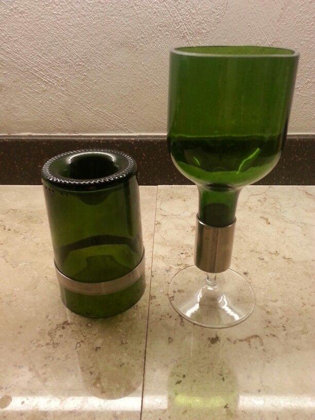 Copas y vasos reciclados de botellas con acero inoxidable.